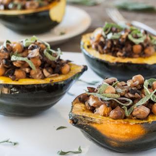 Stuffed Acorn Squash with Mushrooms and Chickpeas Recipe