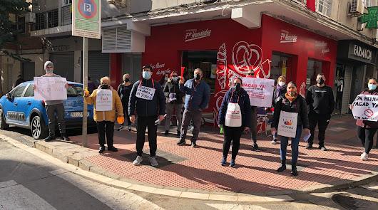 """La agonía de los trabajadores de Hernández: """"No tengo ni para pagar el agua"""""""