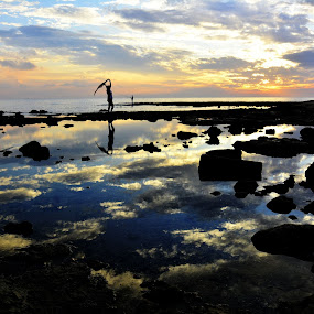 Sundown at cost by Mustafa Tor - Landscapes Waterscapes ( model, sunset, sundown, sea, lanscapes )