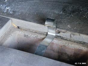 Photo: une cale test pour l'arrivé d'air par le trou de decendrage