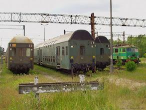 Photo: Składy Bhp i EU07-182 {Toruń Główny; 2004-06-04}
