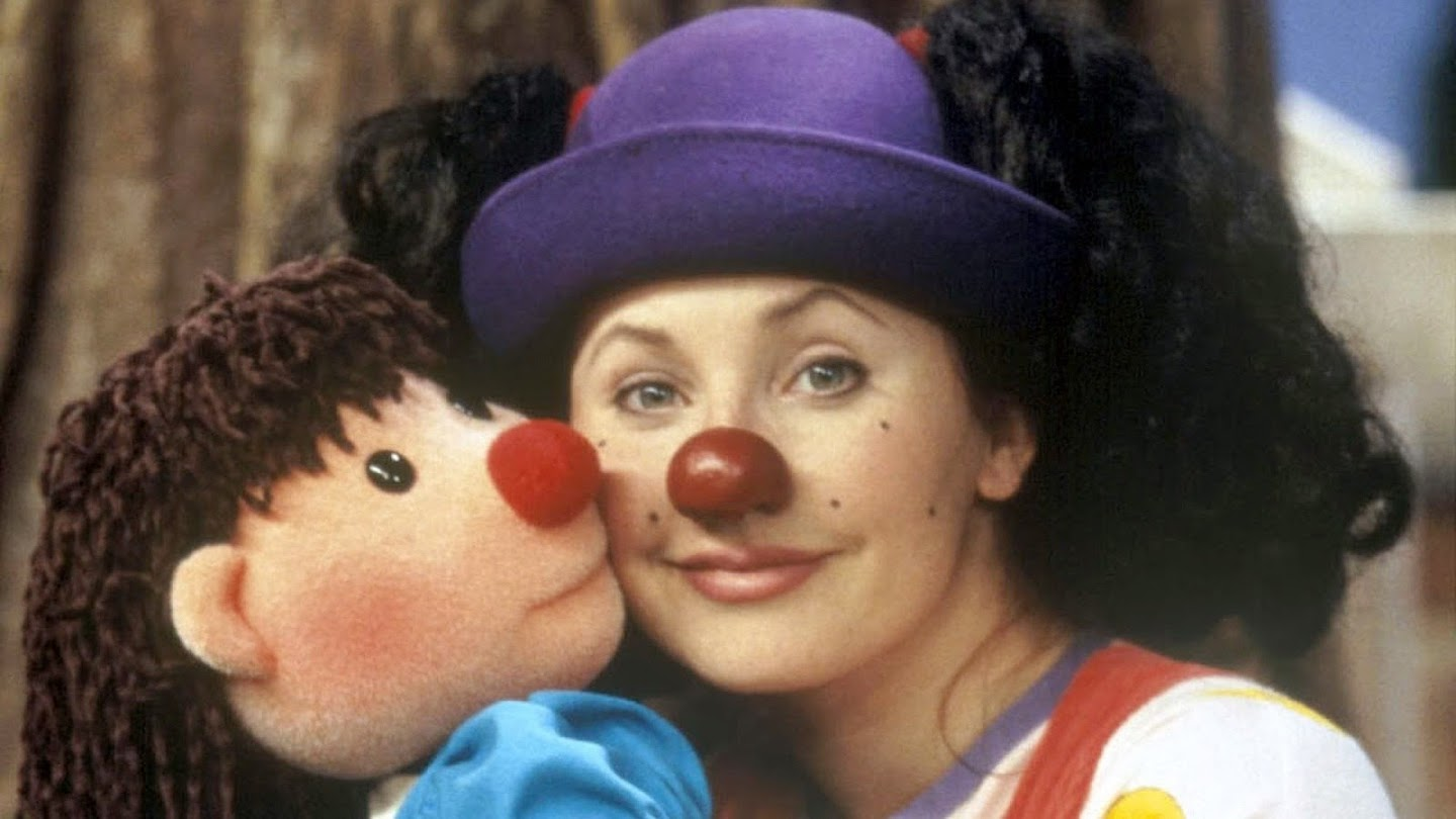 Watch The Big Comfy Couch live