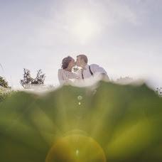 Wedding photographer Natasha Labuzova (Olina). Photo of 19.12.2015
