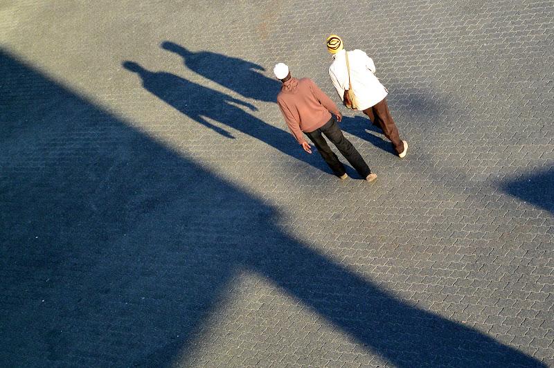 passanti con ombra di dotlinob