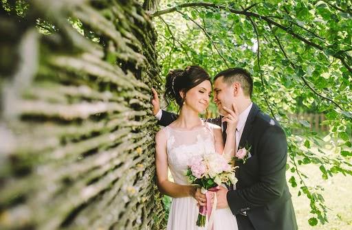 Wedding photographer Alena Gorbacheva (LaDyBiRd). Photo of 03.07.2016