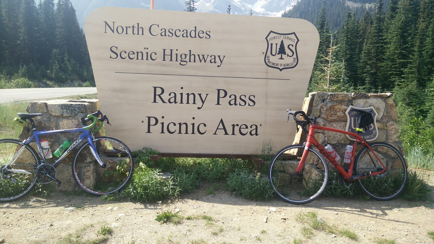 Rainy Pass Lookout area