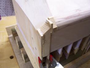 Photo: Da die Ecken in 3 Achsen rund sind wurden sie mit der Maschine geschliffen.