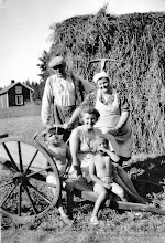 Photo: Nyhem 1943. Gustav Andersson, Emma Andersson, Sune Bohman, Margit Bohman, Solvig Bohman