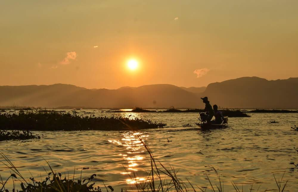 burma+lake+inle+sunset