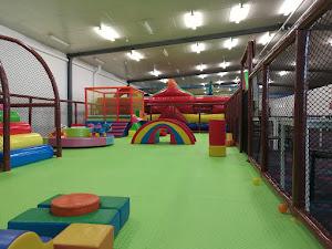 Estudios - Kid Factory Playcentre & Cafe