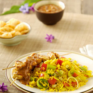 Nasi Koening met knapperige groenten en kipsaté