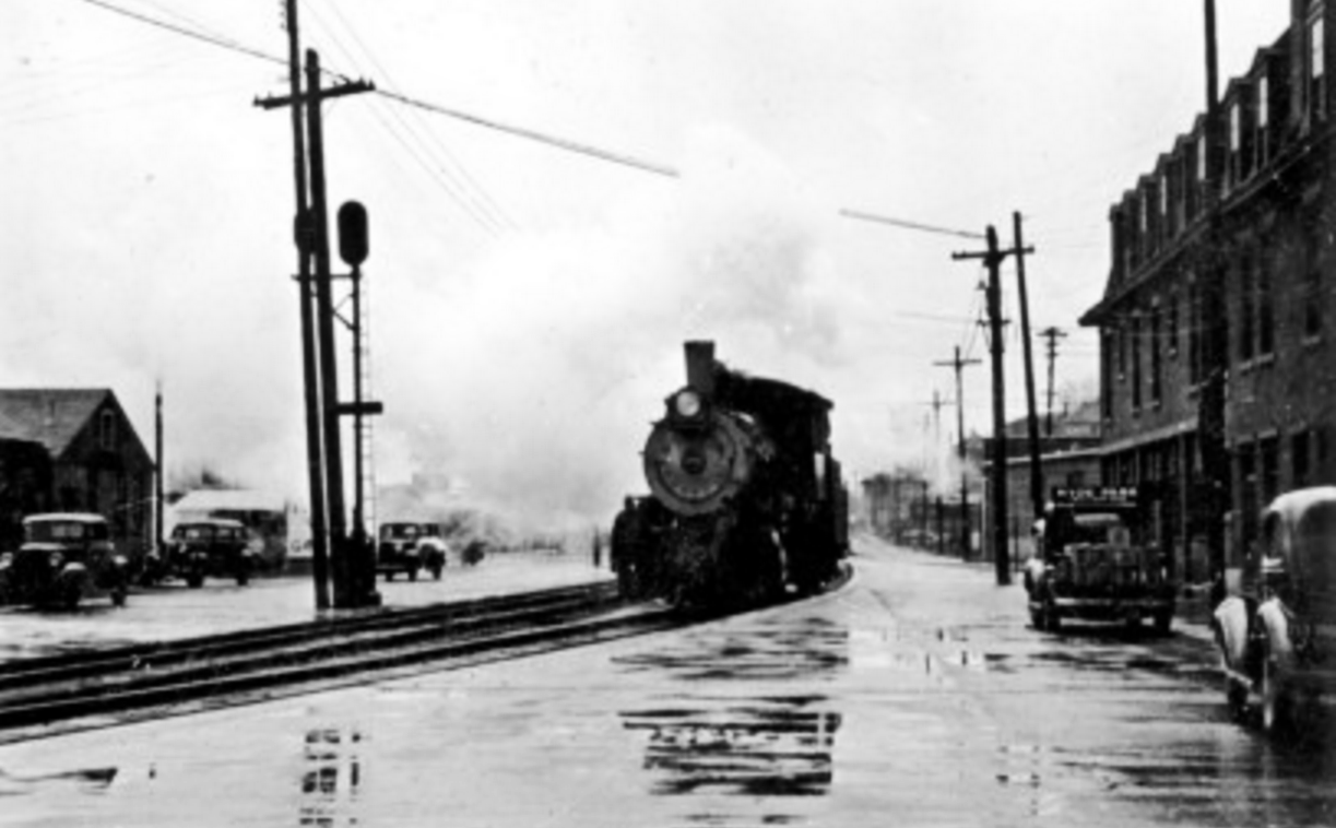 Switch engine on tracks along Collier at Main, ca 1939.png