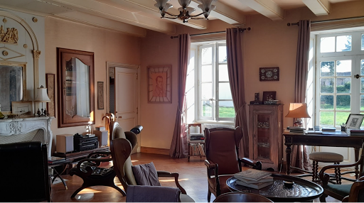 sitting-room-at-the-french-bed-and-breakfast-le-clos-de-la-garenne-between-la-rochelle-rochefort-and-niort