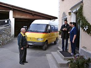 Photo: Stierva - Letzte Postautofahrt für immer