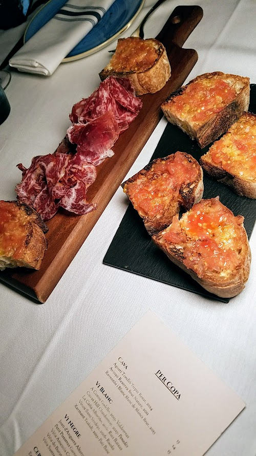 Can Font Happy Hour includes various Montaditos, a tapas of bread mounted with various ingredients. There is also a vegetarian version, Pa amb Tomàquet with Grilled Catalan Bread and Tomatoes or order the Assortiment d' Ibèrics i Pa amb Tomàquet, where it is served with an Iberico Cured Meats Platter