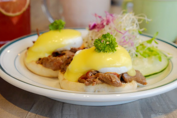 Olimato Junior┃台中北區:50年老屋改建新風貌,符合小資族的平價餐點,美式餐廳融入台式元素