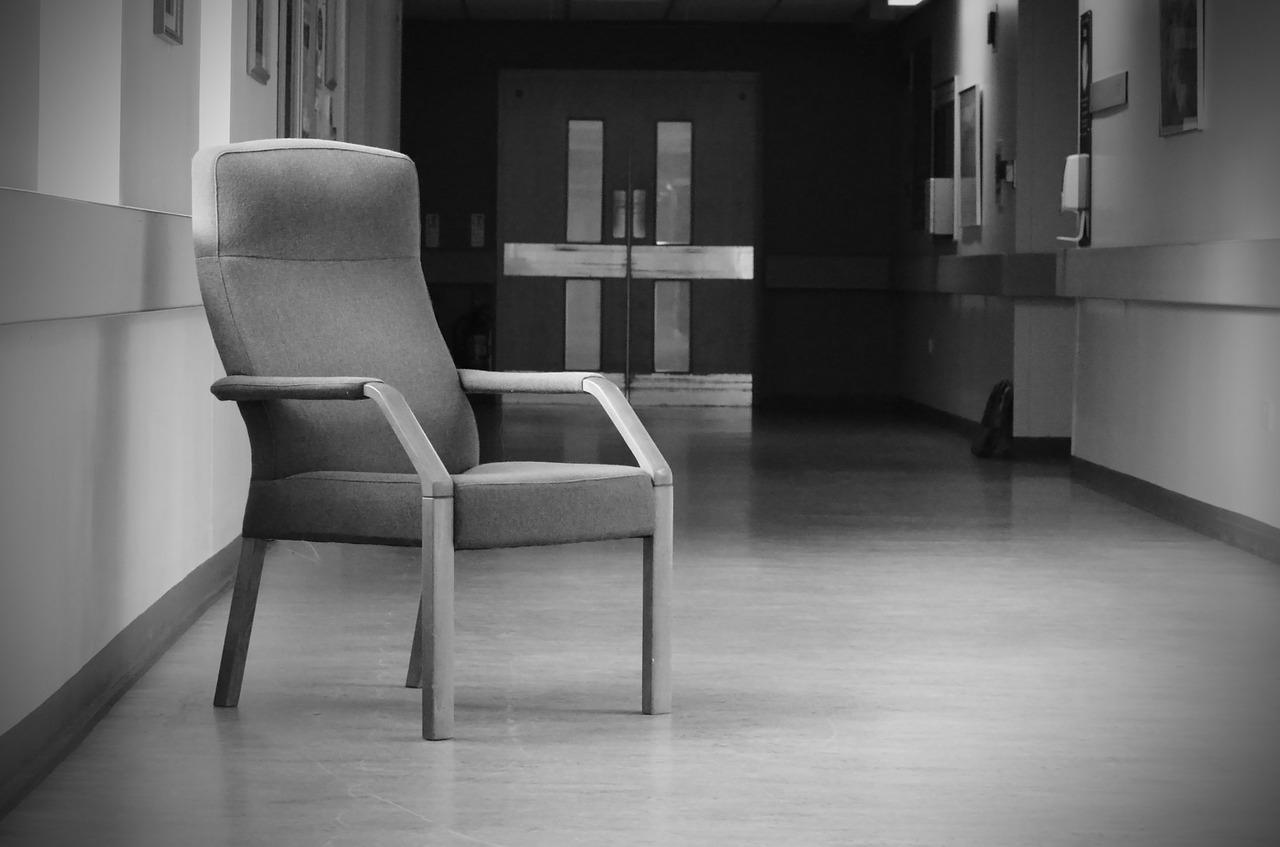 chairs-164691_1280.jpg