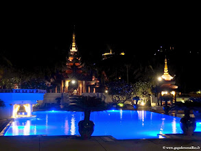 Photo: #006-Mandalay, le Mandalay Hill Resort. La piscine.