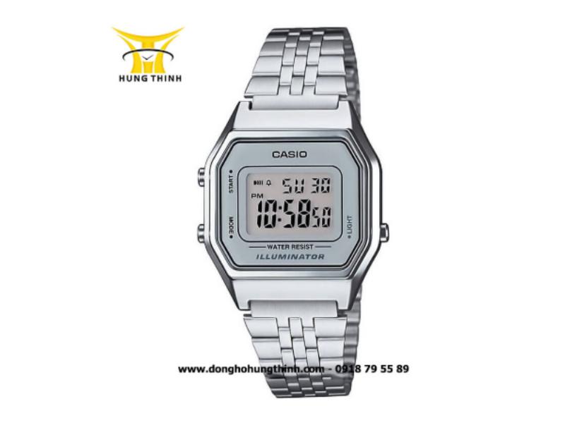 Cận cảnh chiếc đồng hồ điện tử Casio nữ Vintage Digital LA680WA-7DF