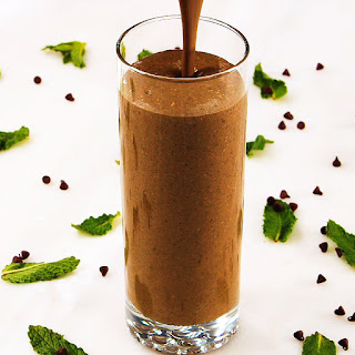 This Nutrient-Rich Smoothie Tastes Like Thin Mints.