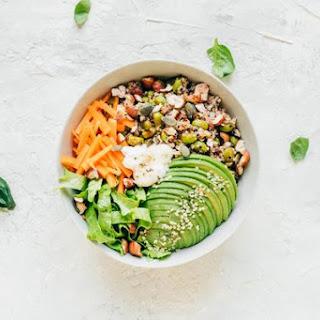 De-Bloating Avocado Salad.