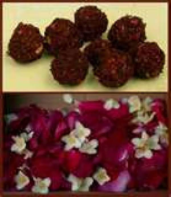 Making Herb Or Flower Beads For Jewerly