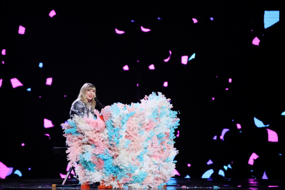 Singles' Day spending frenzy set to break records