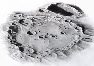 Photo: Le cratère Clavius, au T406 le 20 février 2013 en 4h de dessin à partir de 20h30 HL. Bonnes images à 350X en bino. Porte-mine 0,3 graphite sur papier technique lisse Canson.