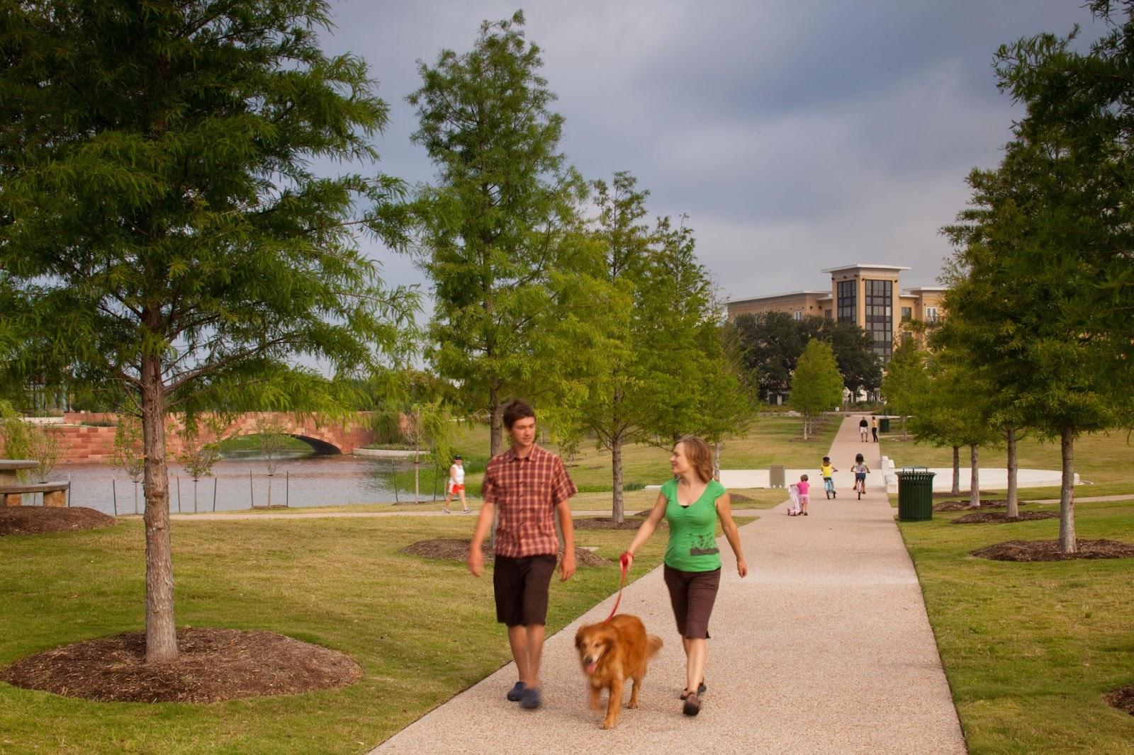 Mueller Lake Park's walking/jogging trail.