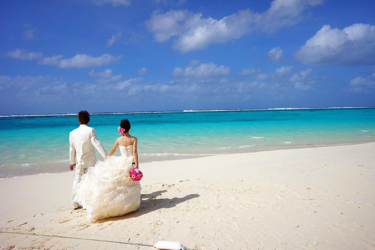 bride-and-groom-483223_1280.jpg