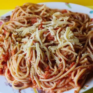 Easy Cheesy Tomato Spaghetti.