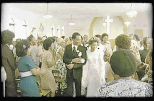 PICTURES TELL THE STORY  Jomo Sono tied the knot with his bride df55a02625cc