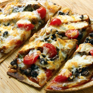 Tex-Mex chicken and black bean flatbread pizza.