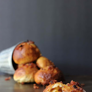 Macaroni & Cheese Stuffed Pretzel Bites with Bacon.