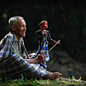by 'Erizal Harnas' - People Portraits of Men ( puppet, oldman, people, cepot )