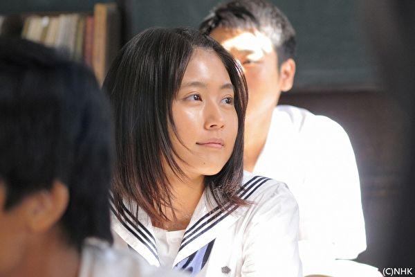 晨間劇:《雛鳥/少女的時代》岡田惠和編劇,有村架純主演