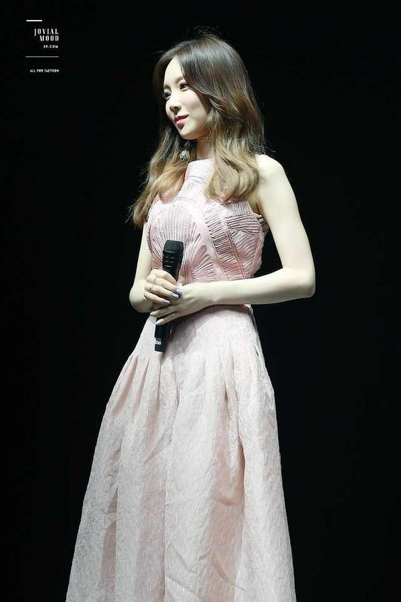 taeyeon gown 39