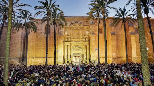 La Semana Santa de Almería  en un folio