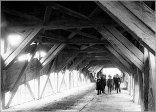 Photo: Podul de lemn - interior  sursa, Muzeul de Istorie