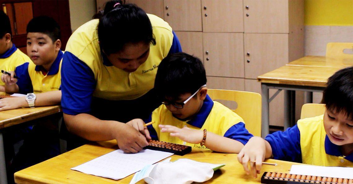 Tại sao bạn nên cho con học Toán soroban ở Abacus thay vì tự học tại nhà?