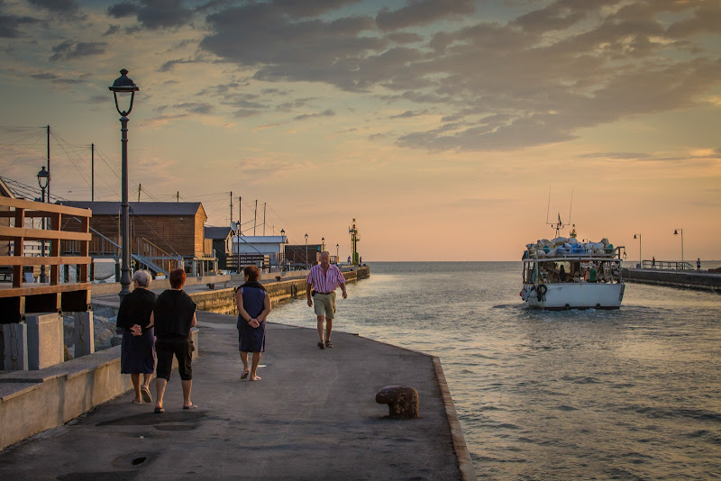 L'alba sul molo di Marcello Zavalloni
