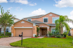Orlando villa, two Master bedrooms, gated community, south-facing pool, games room, close to Disney