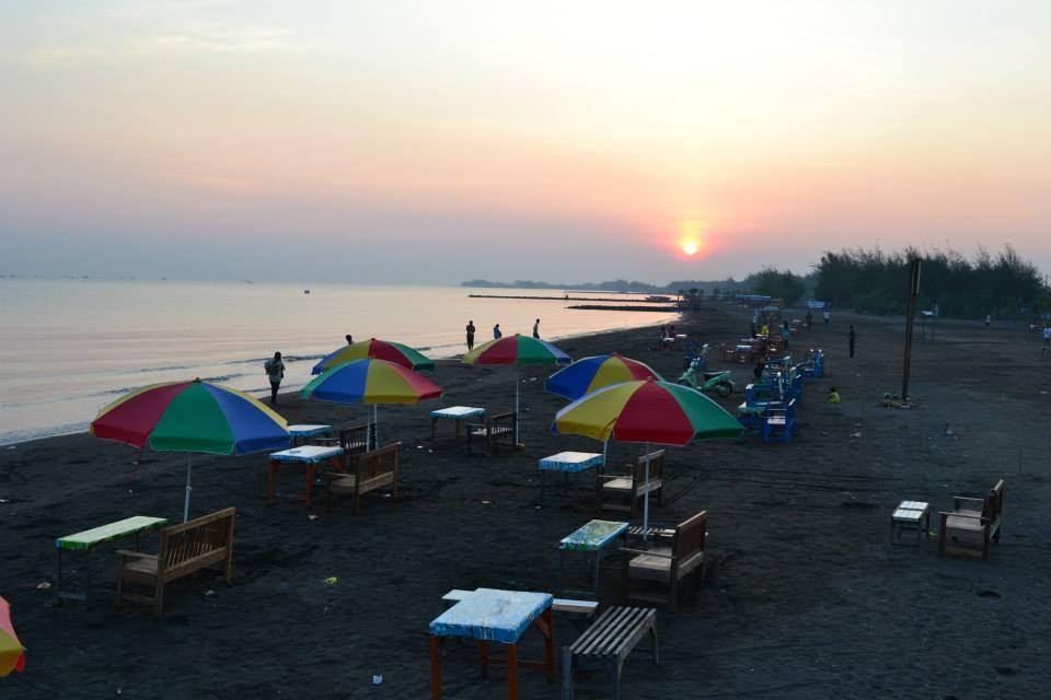 Gazebo Pantai Alam Indah Tegal