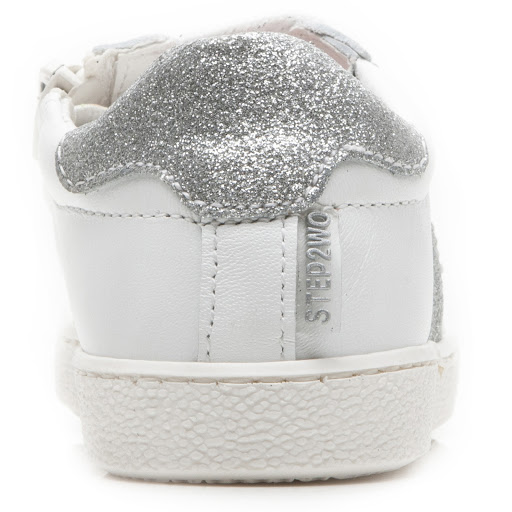 Thumbnail images of Step2wo Heart 2 - Glitter Trainer