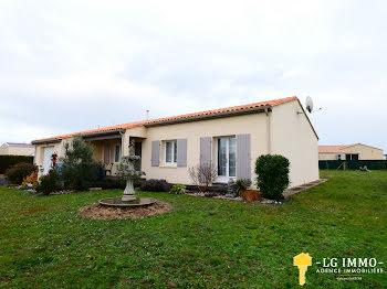 maison à Saint-Simon-de-Pellouaille (17)