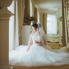 Wedding photographer Oksana Benyaminova (Anasko). Photo of 09.02.2014