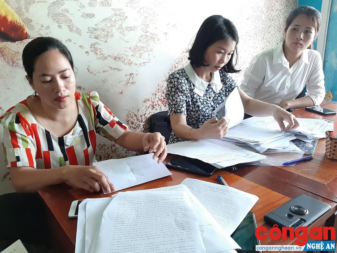 Đại diện các giáo viên đòi quyền lợi chính đáng sau 10 năm cống hiến
