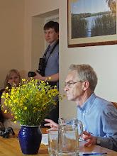 """Photo: Susirinkusieji išklausė doc. dr. Regimanto Tamošaičio pranešimo """"Donelaičio fenomenas""""."""