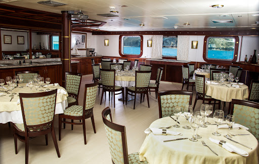 Dining menus on Isabela II feature international cuisine and celebrated Ecuadorian dishes.