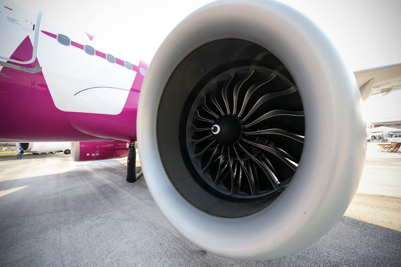 Каждый двигатель вмещает до 19 трехмерных печатных топливных форсунок, которые помогают повысить его эффективность на целых 15 процентов.